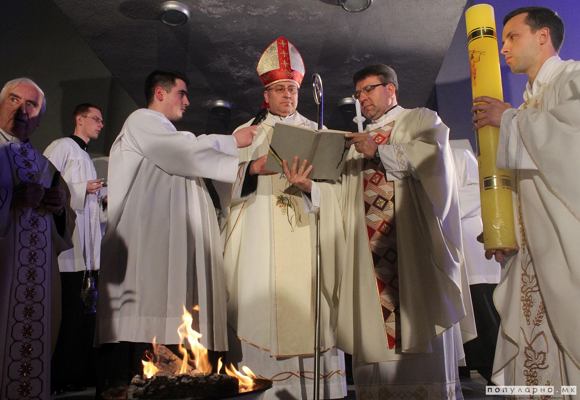 ФОТО: Католиците го слават најголемиот христијански празник Воскресение Христово - Велигден