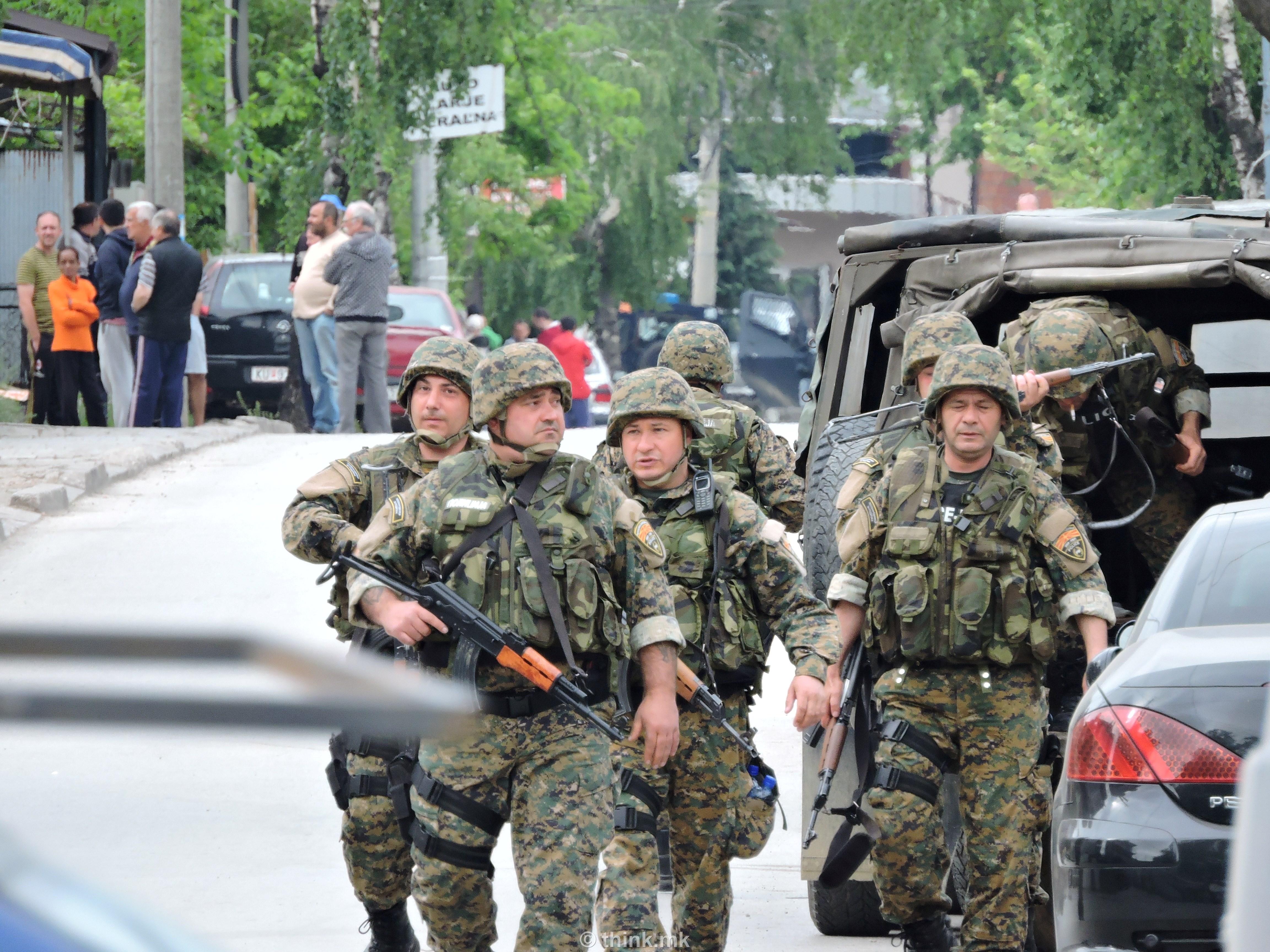 15 повредени полицајци донесени на Ургентниот центар во Скопје