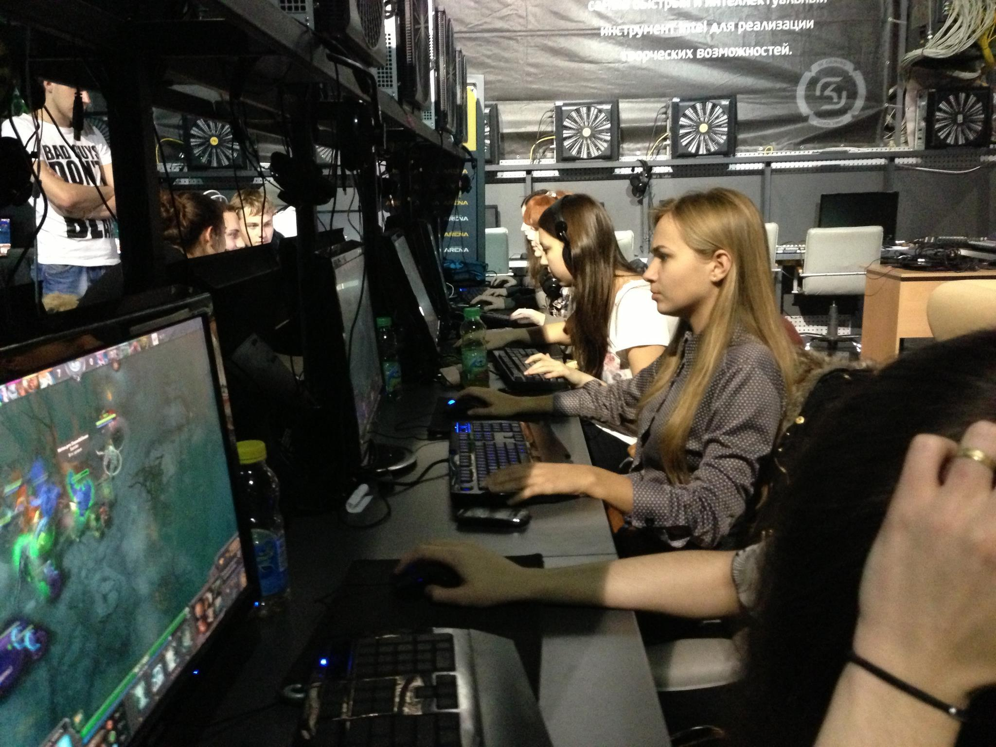 Финални натпревари на првиот студентски турнир во DOTA2