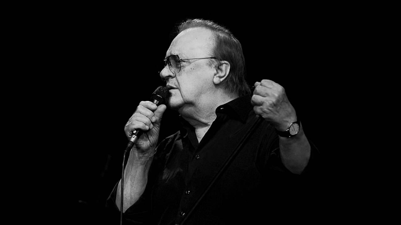 На 78-годишна возраст почина хрватскиот пејач Арсен Дeдиќ