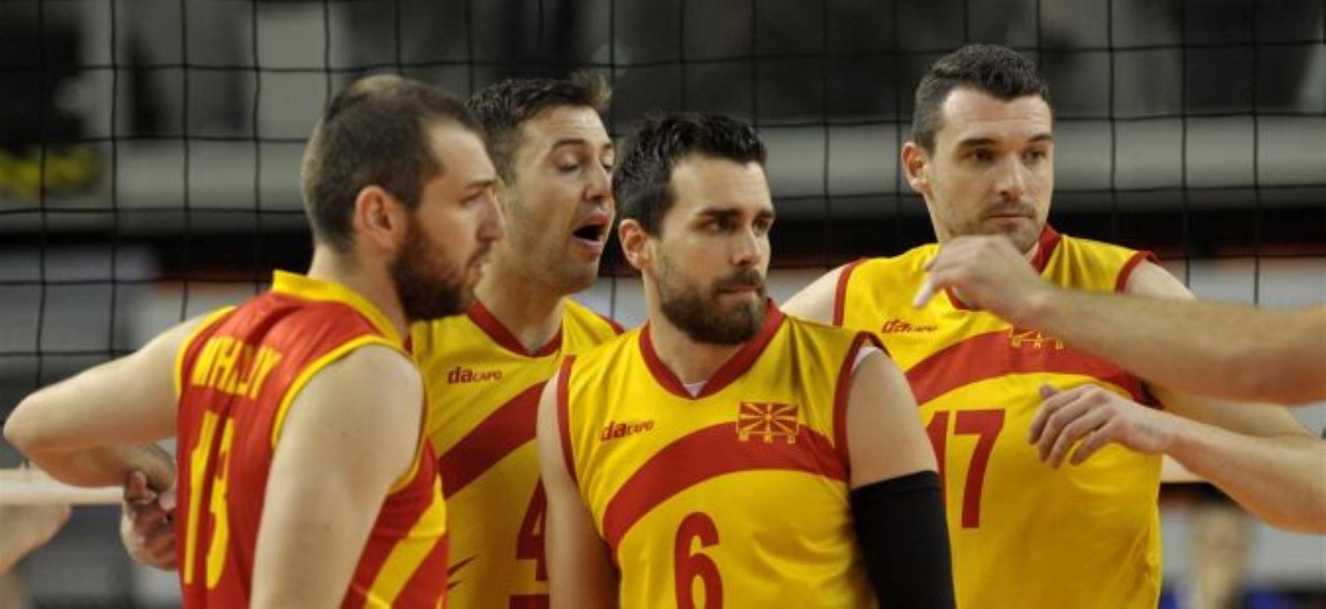 Македонските одбојкари се враќаат со сребро од финалето на Европската лига