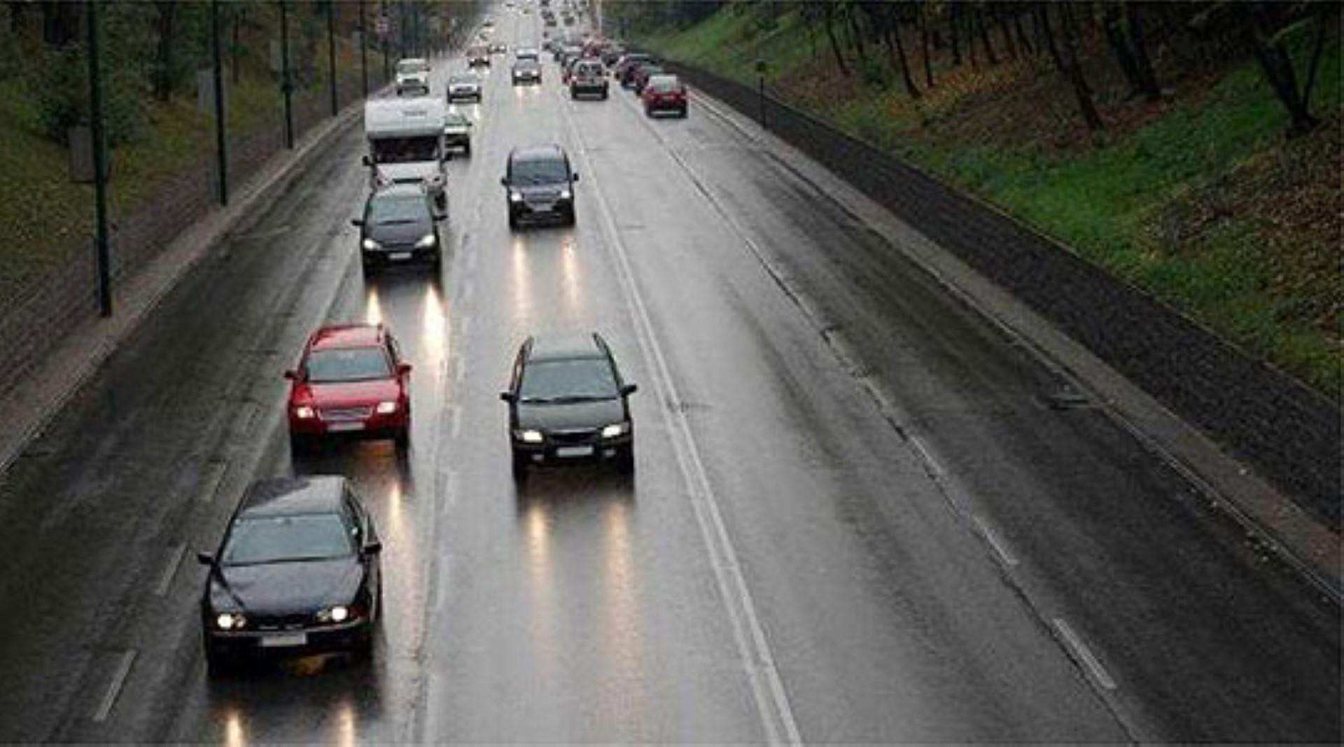 Во прекин сообраќајот на патните правци Тетово-Јажинце и Тетово-Попова Шапка