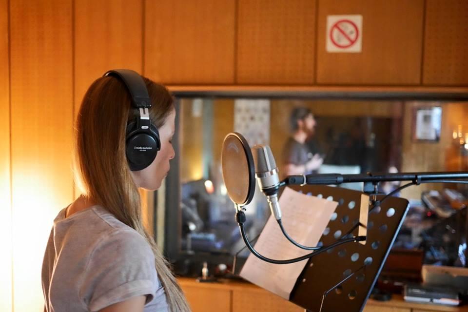 ВИДЕО: Слушнете ја новата песна на Каролина Гочева и Дуке Бојаџиев