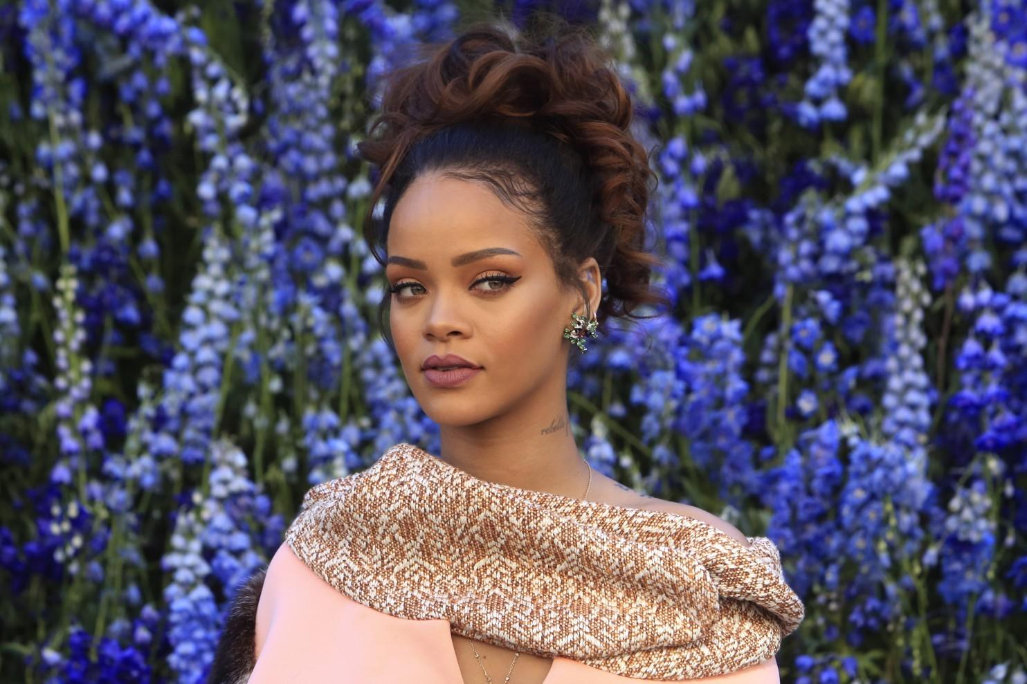 """ФОТО: Ријана блесна на модната ревија на """"Диор"""""""