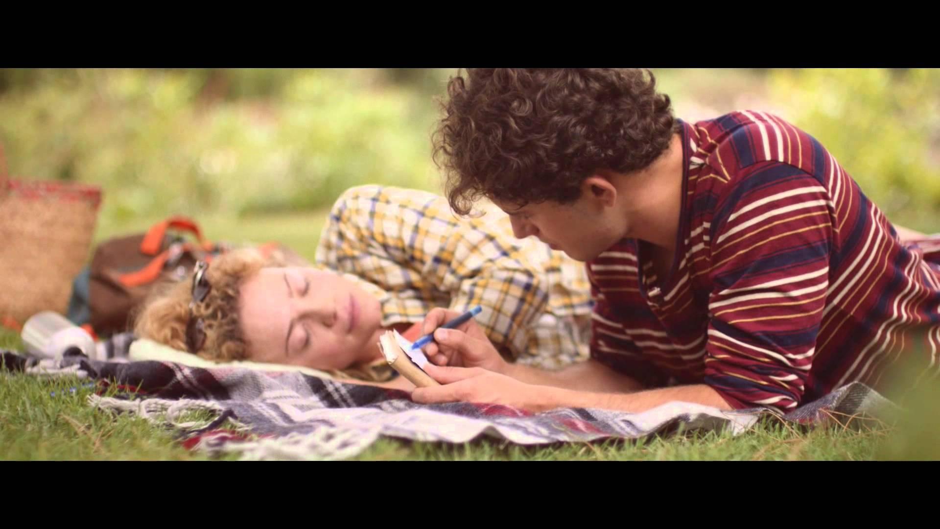 ВИДЕО: Реклама за гуми за џваќање која ќе ве расплаче!