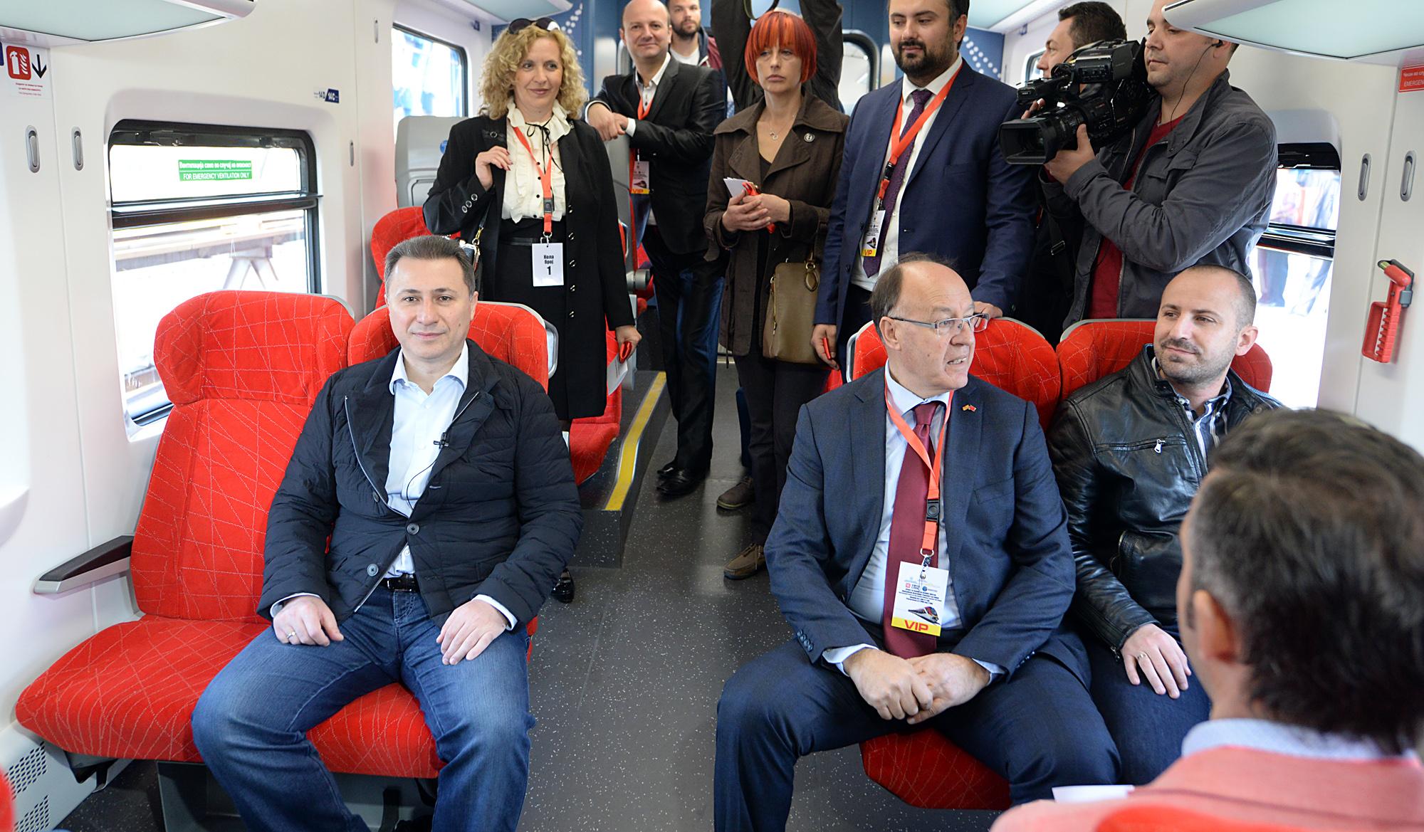 ФОТОГАЛЕРИЈА: Пуштен во сообраќај новиот електромоторен воз