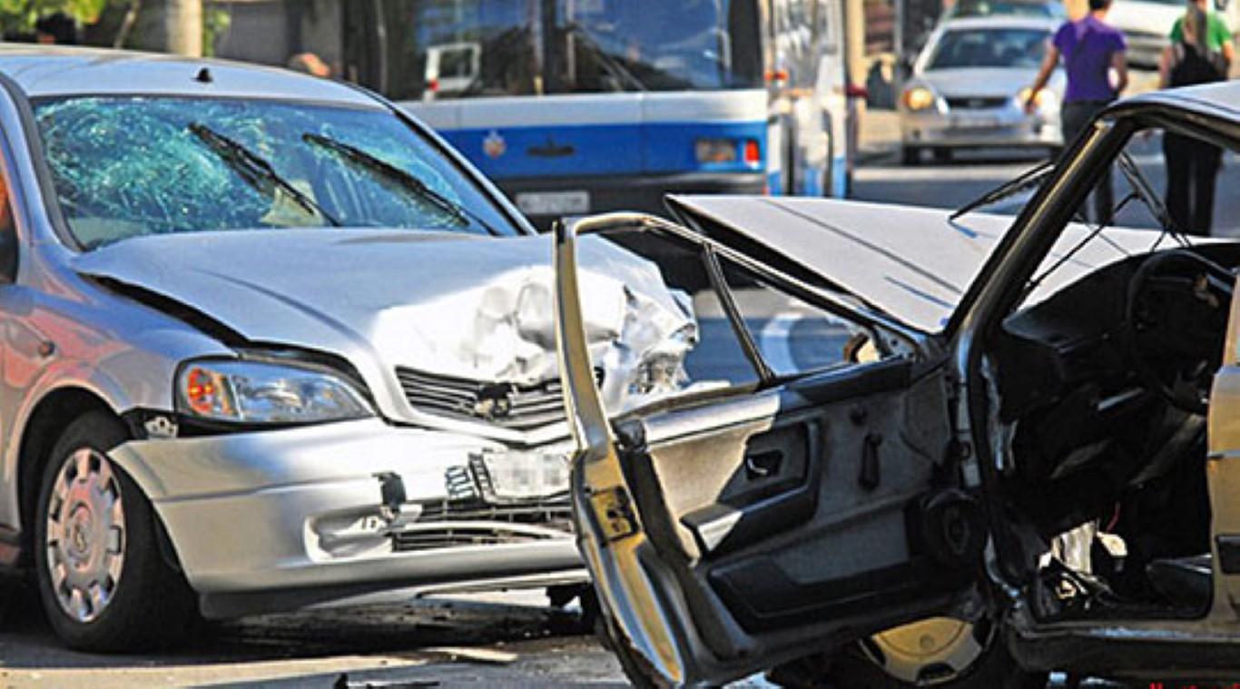 Во 20 сообраќајки викендот во Скопје, 14 повредени