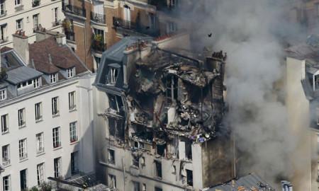 Петмина повредени при експлозија на гас во Париз
