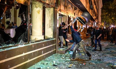 Дванаесет приведени во синоќешните протести