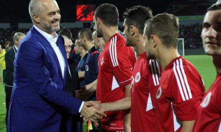 Еди Рама им вети дипломатски пасоши на албанските фудбалери