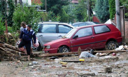 МВР: Загинати 21 лице во поплавите во Скопско