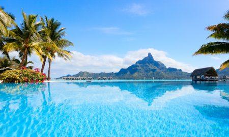 НАМЕСТО НА ПЛАНИНА, ОДИМЕ НА ПЛАЖА: Тахити - илјадници милји далеку од реалноста