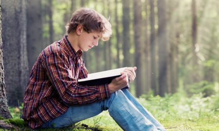 ИСТРАЖУВАЊЕ: Читањето може да ни го продолжи животот