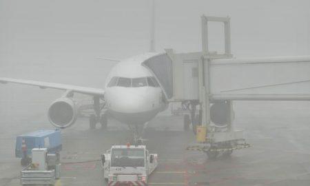 Поради магла откажани летови и намалена видливост на патиштата