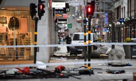 Шведската полиција откри експлозив во камионот користен за нападот во Стокхолм