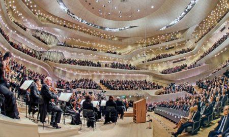 """Овации за """"Јовано, Јованке"""" изведена на концерт на филхармонијата во Хамбург (ВИДЕО)"""