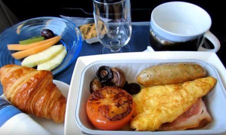 Британска авиокомпанија го намалува стресот на патниците со храна