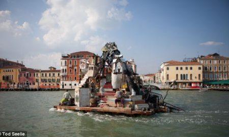 Венеција поради сметот ја забранува храната за носење